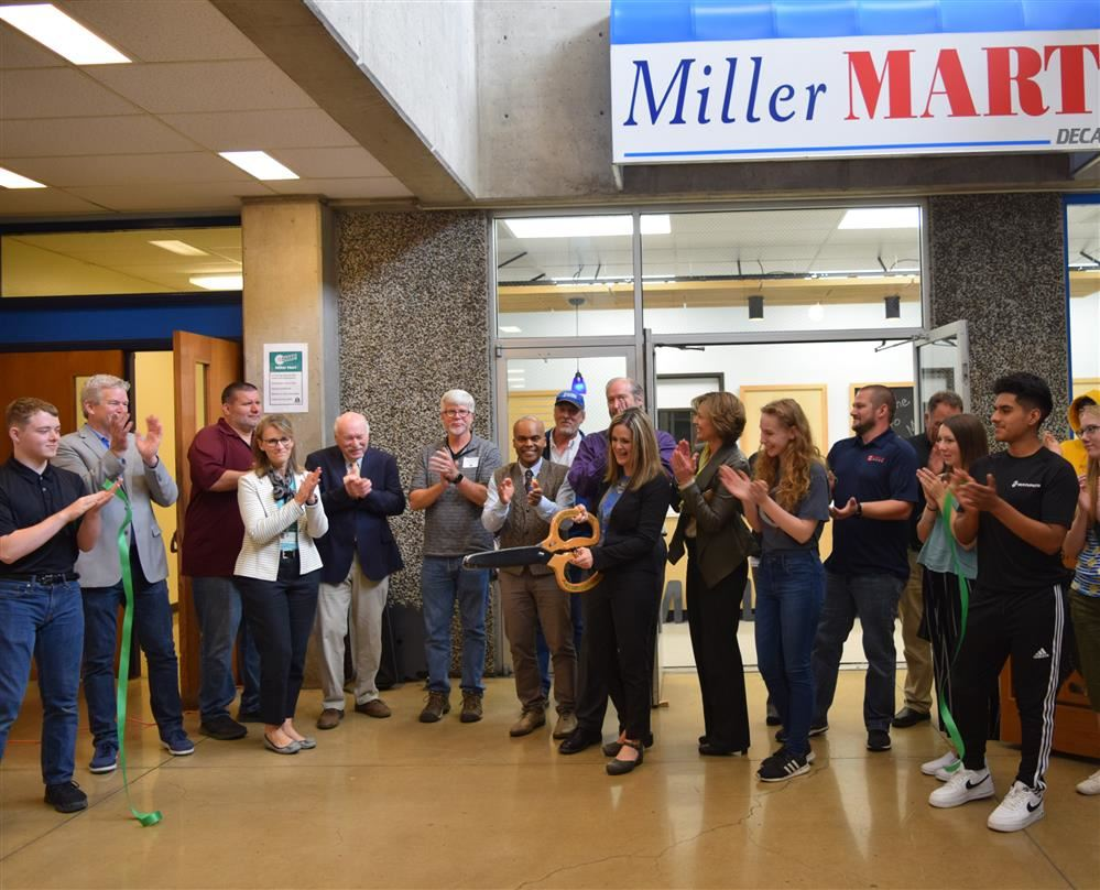 Springfield High School community celebrates Miller Mart grand re-opening